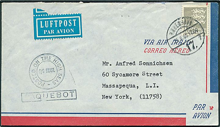 1,20 kr. Rigsvåben på luftpostbrev stemplet København d. 25.8.1965 og sidestemplet med privat skibsstempel Posted on the high seas / M/S Brasil / Paquebot til Massapequa, USA.