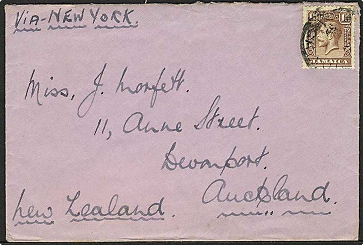 1½d George V på brev fra Jamaica 1939 (?) til Auckland, New Zealand. Påskrevet: via New York.