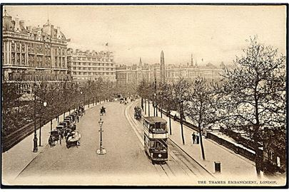 England. The Thames Embankment. Med dobbeltdækker Sporvogn. Samuels Ltd. u/no.