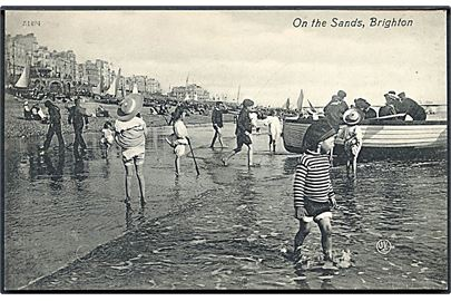 England. On the Sands, Brighton. Pictorial Centre u/no.