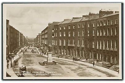 O'Connell street from the crescent and O'Connelle Monument, Limerick. Fotokort u/no.